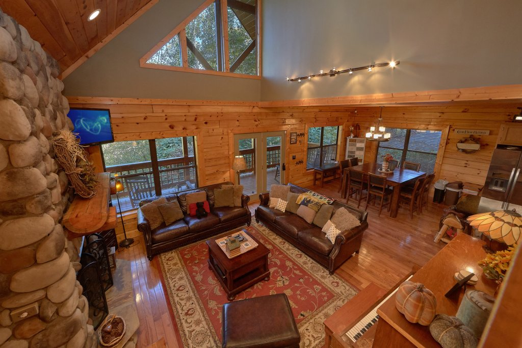 Photo of a Gatlinburg Cabin named Stonebrook Lodge - This is the eighteenth photo in the set.