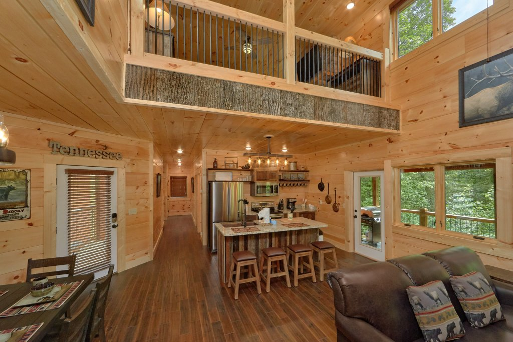 Photo of a Sevierville Cabin named Poolin Around - This is the twenty-seventh photo in the set.
