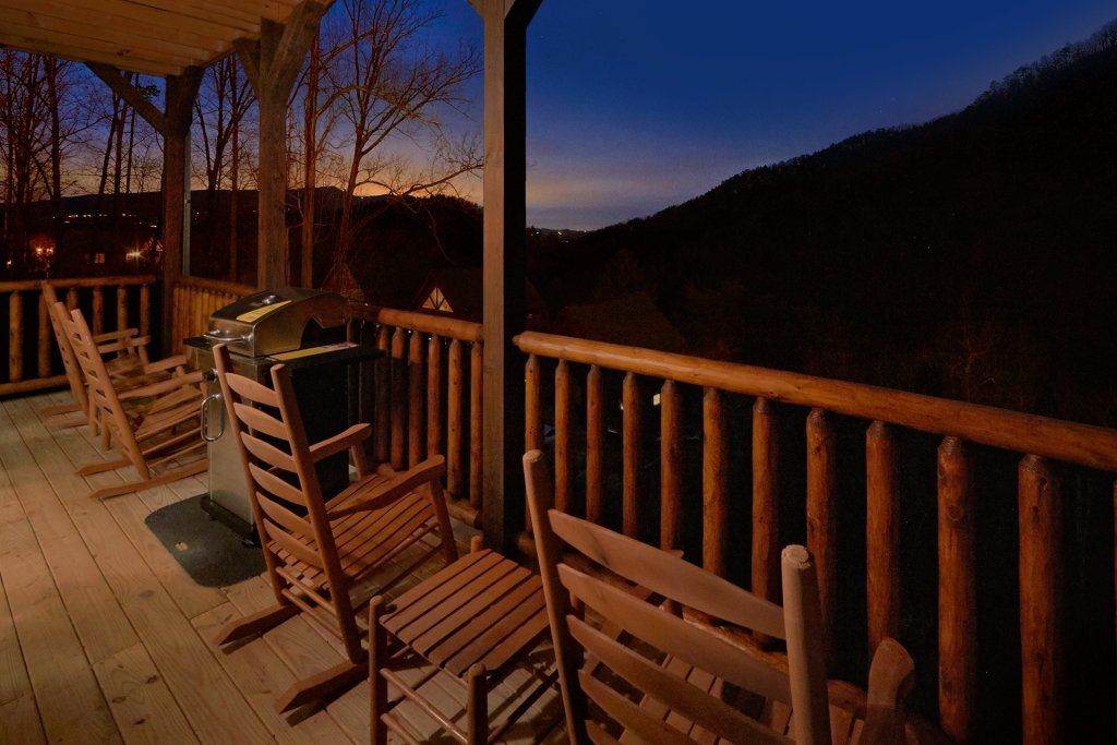 Photo of a Sevierville Cabin named Otter Springs Pool Cabin - This is the sixth photo in the set.
