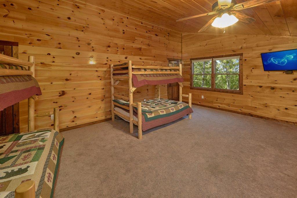 Photo of a Gatlinburg Cabin named Uwoduhi Pool Lodge - This is the twenty-sixth photo in the set.
