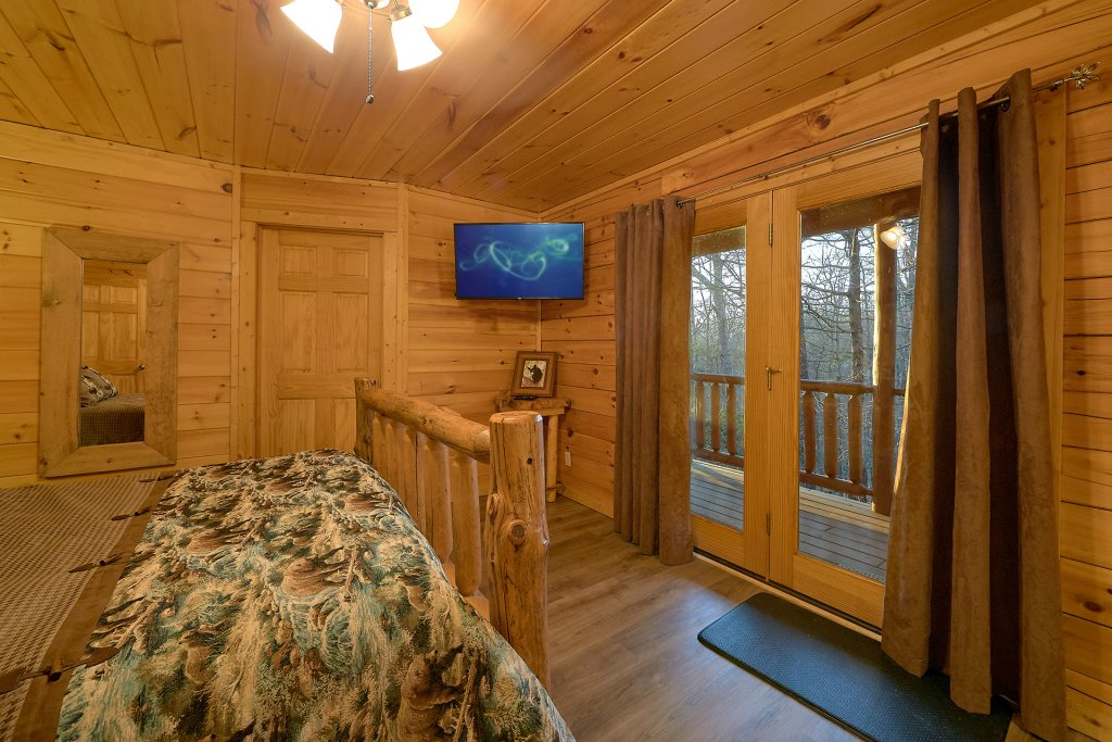 Photo of a Gatlinburg Cabin named Gentleman Jack's - This is the thirty-first photo in the set.