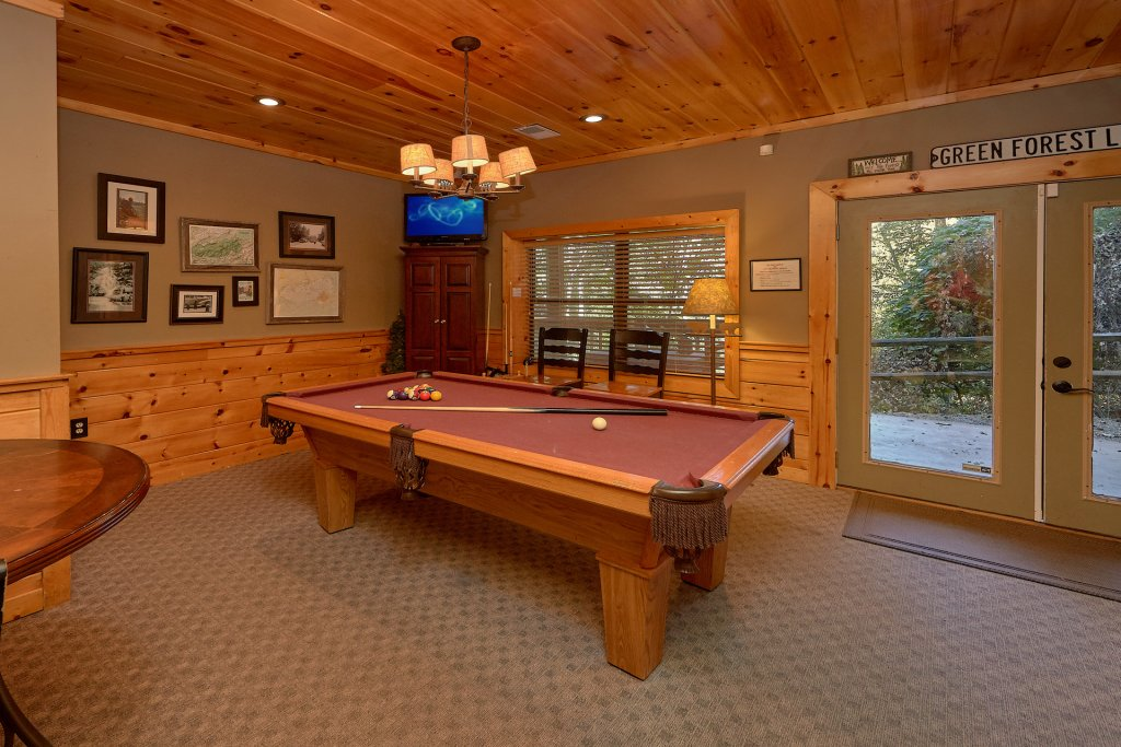 Photo of a Gatlinburg Cabin named Stonebrook Lodge - This is the sixteenth photo in the set.