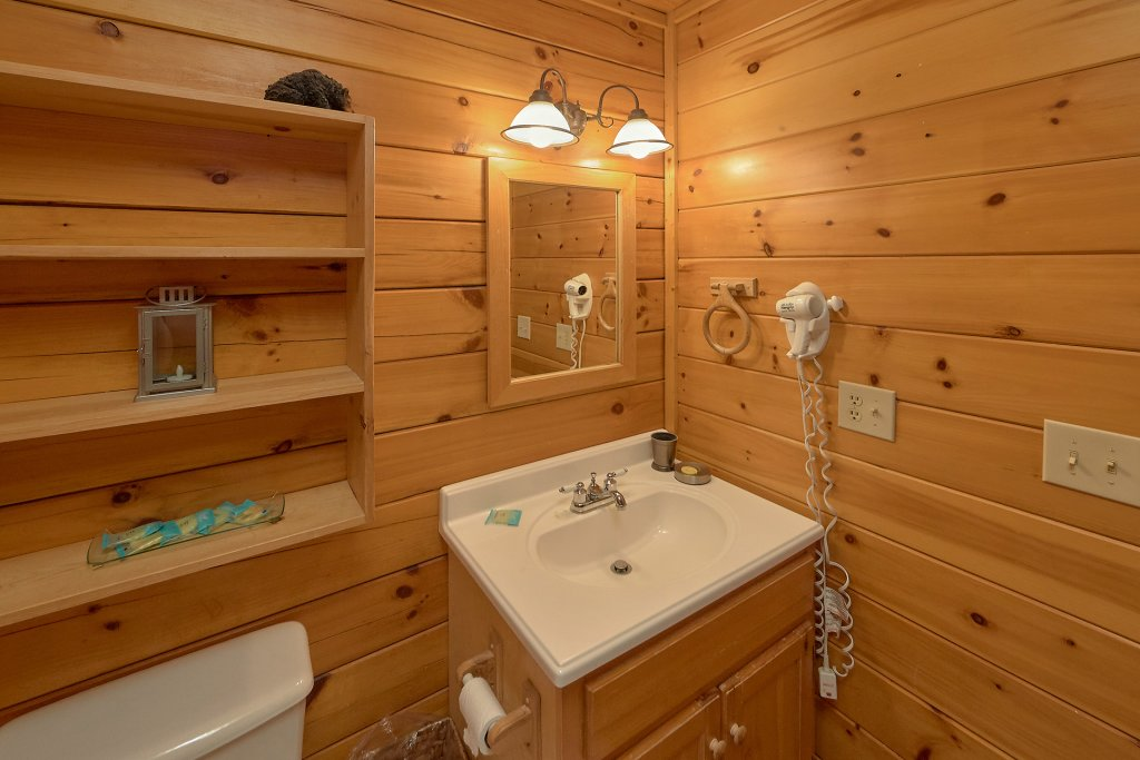 Photo of a Gatlinburg Cabin named Gentleman Jack's - This is the thirty-second photo in the set.
