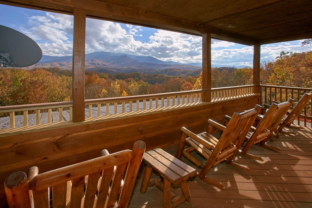 Photo of a Gatlinburg Cabin named Stairway To Heaven - This is the third photo in the set.