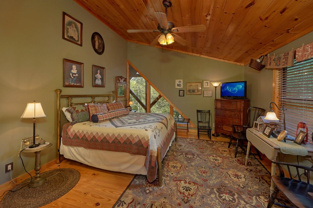 Photo of a Gatlinburg Cabin named Stonebrook Lodge - This is the twenty-third photo in the set.