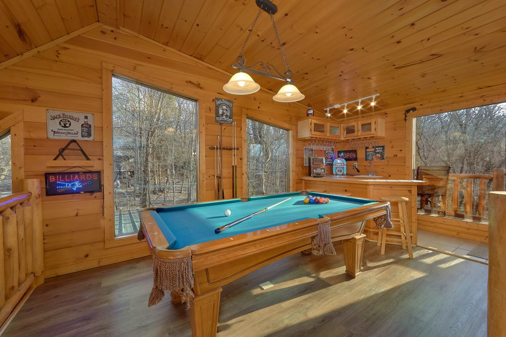 Photo of a Gatlinburg Cabin named Gentleman Jack's - This is the fourteenth photo in the set.