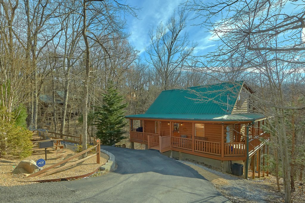 Photo of a Gatlinburg Cabin named Gentleman Jack's - This is the thirty-seventh photo in the set.