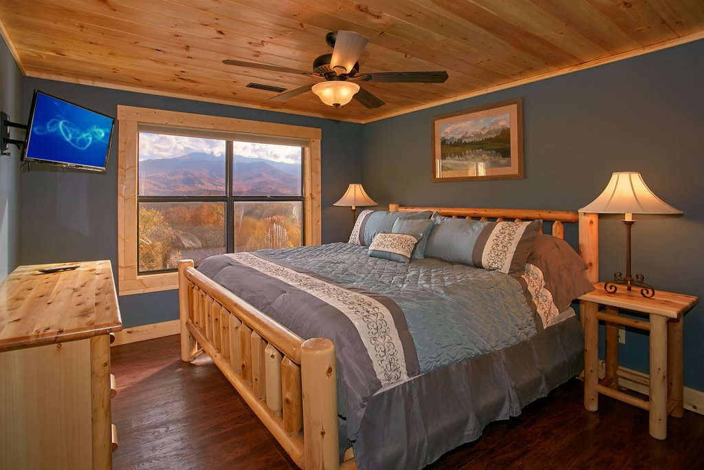 Photo of a Gatlinburg Cabin named Stairway To Heaven - This is the thirty-first photo in the set.