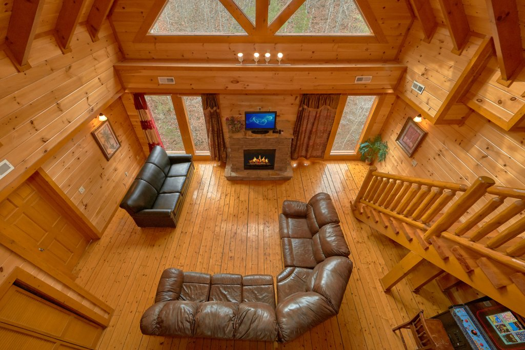 Photo of a Sevierville Cabin named Pool And Theater Lodge - This is the eleventh photo in the set.
