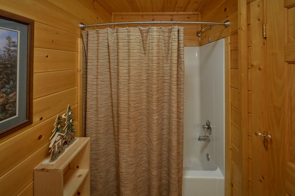 Photo of a Gatlinburg Cabin named Gentleman Jack's - This is the thirty-fourth photo in the set.