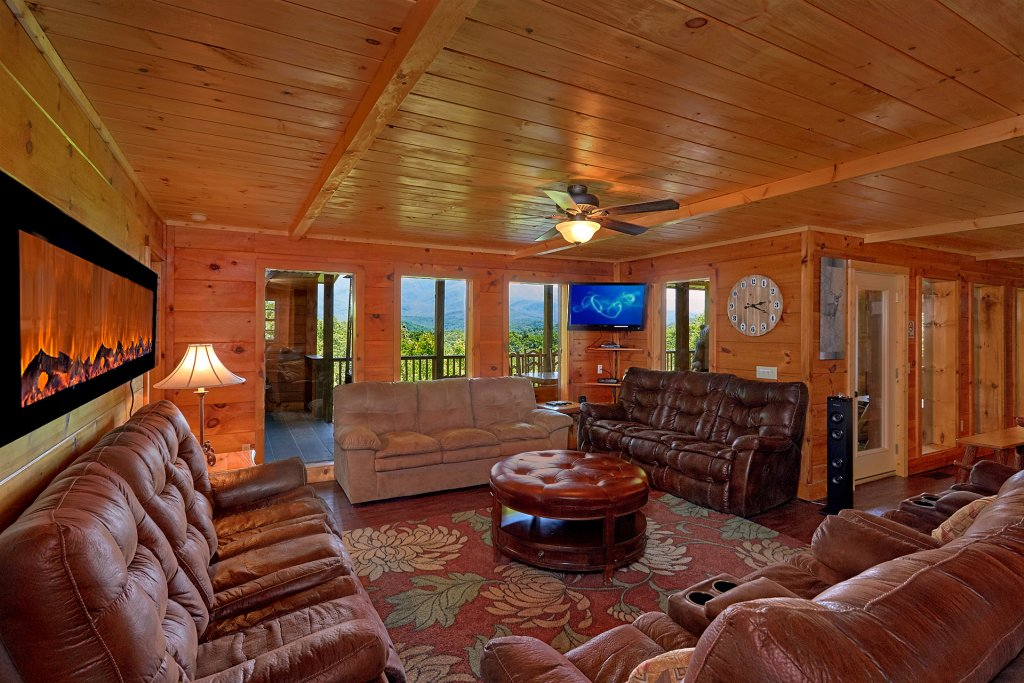Photo of a Gatlinburg Cabin named Stairway To Heaven - This is the sixteenth photo in the set.