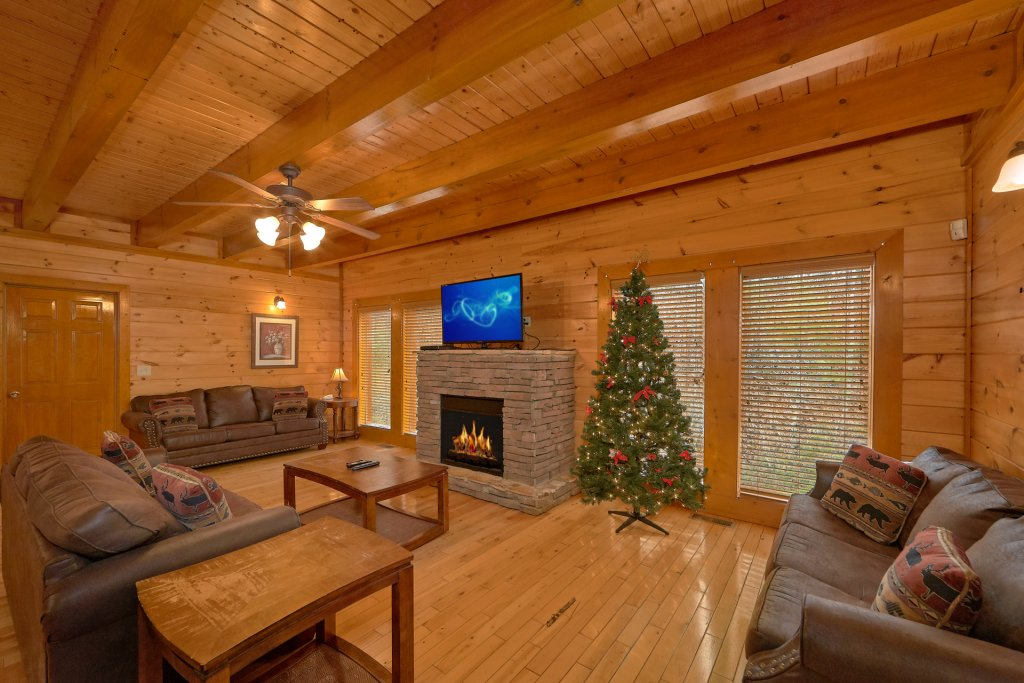 Photo of a Sevierville Cabin named Pool And Theater Lodge - This is the fourteenth photo in the set.