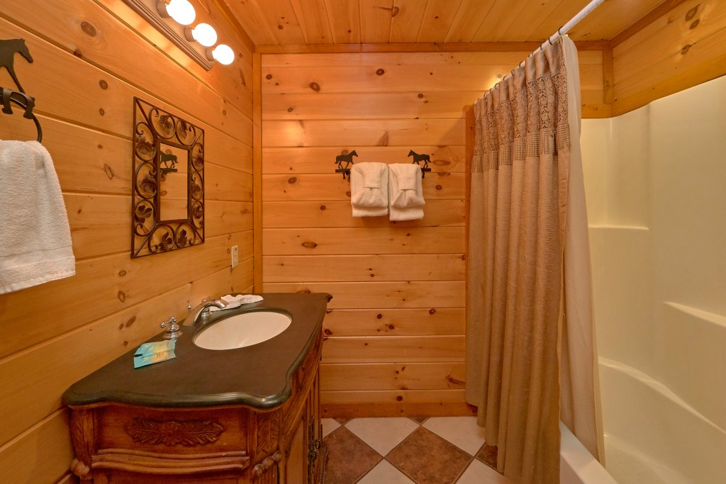 Photo of a Sevierville Cabin named Pool And Theater Lodge - This is the thirty-fourth photo in the set.