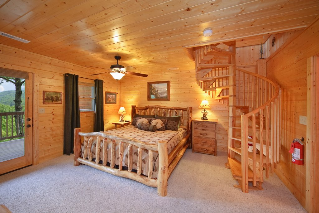 Photo of a Gatlinburg Cabin named Tree Tops - This is the thirteenth photo in the set.
