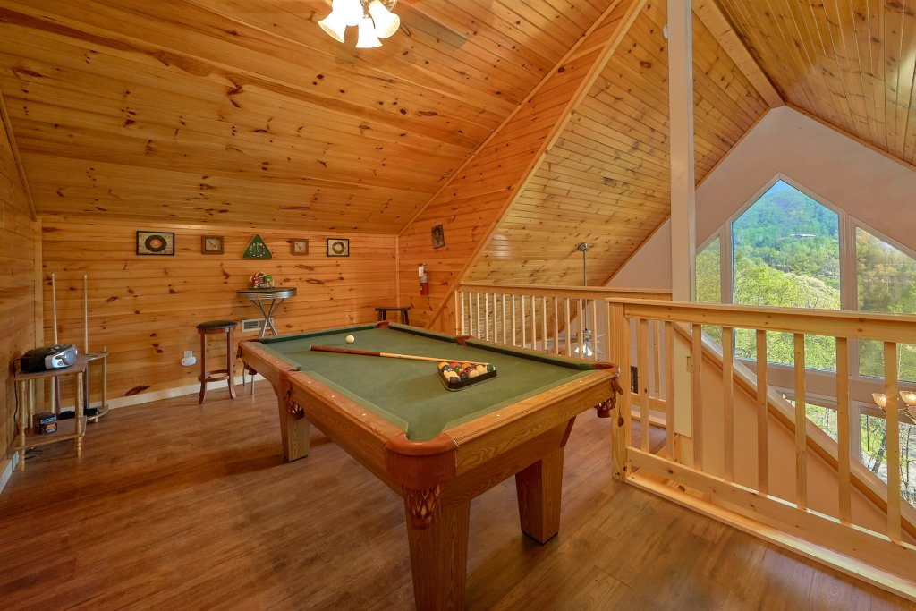 Photo of a Gatlinburg Cabin named Romantic Views - This is the sixth photo in the set.