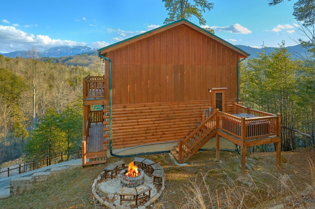 Photo of a Pigeon Forge Cabin named Reindeer Bay - This is the seventh photo in the set.