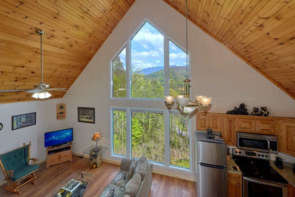 Photo of a Gatlinburg Cabin named Romantic Views - This is the twelfth photo in the set.