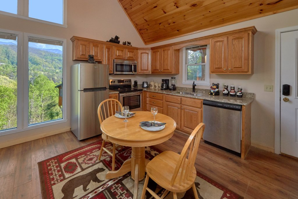 Photo of a Gatlinburg Cabin named Romantic Views - This is the thirteenth photo in the set.