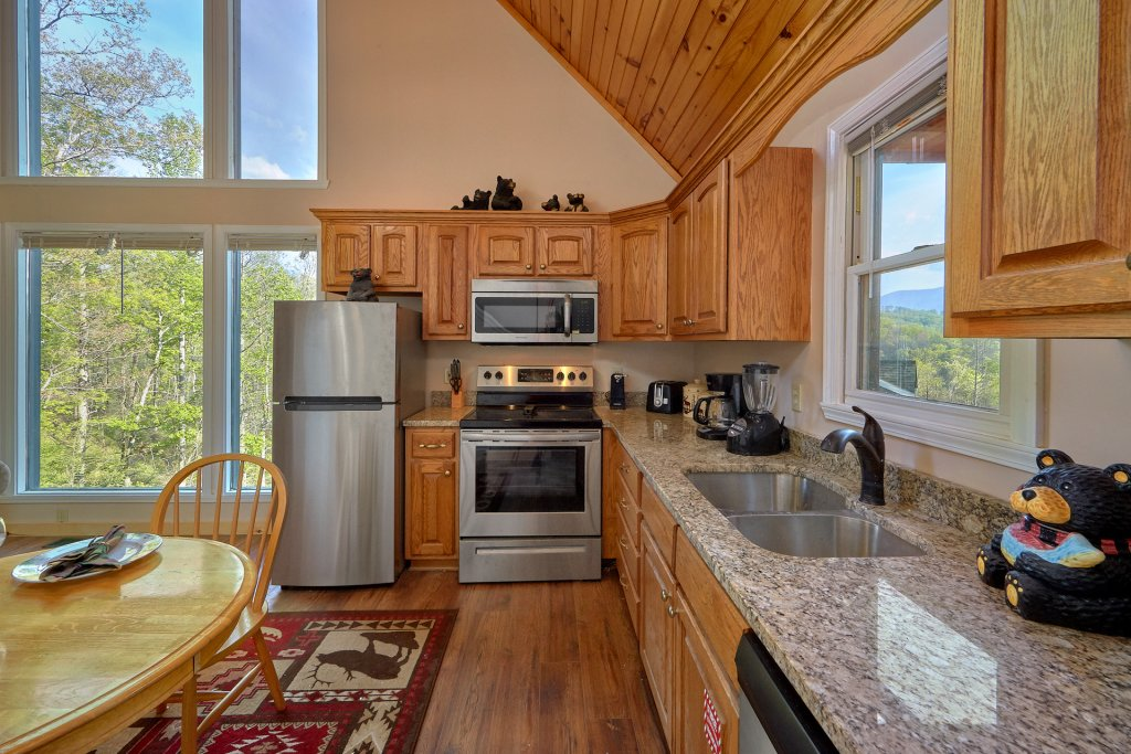 Photo of a Gatlinburg Cabin named Romantic Views - This is the fourteenth photo in the set.