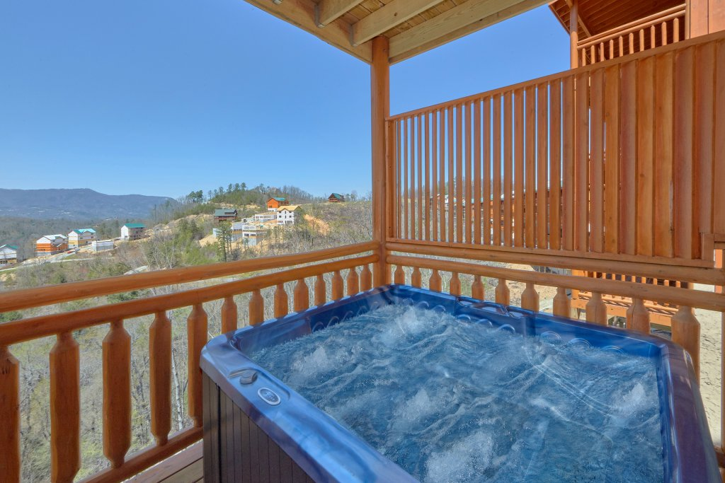 Photo of a Sevierville Cabin named Summit Pool Lodge - This is the third photo in the set.