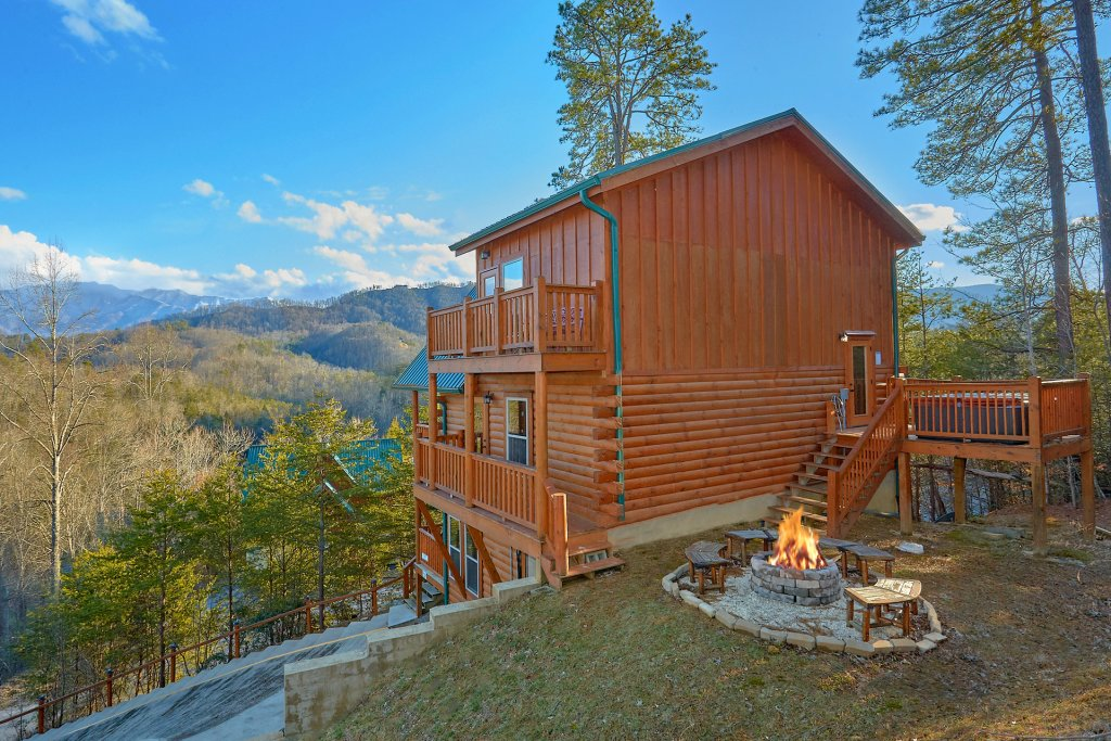 Photo of a Pigeon Forge Cabin named Reindeer Bay - This is the sixth photo in the set.