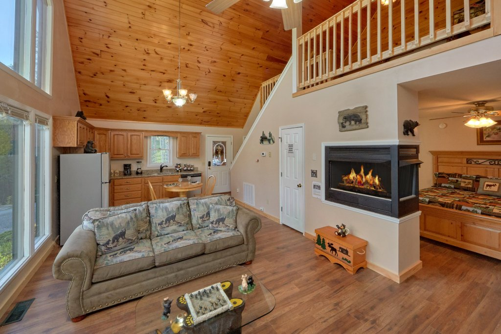 Photo of a Gatlinburg Cabin named Romantic Views - This is the ninth photo in the set.