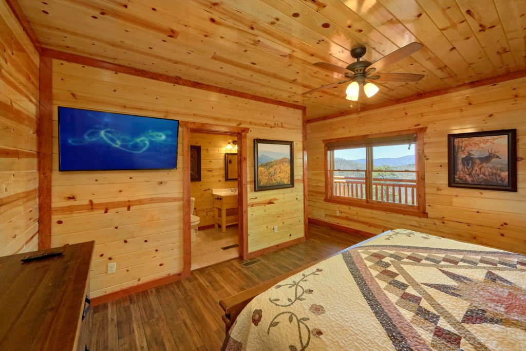 Photo of a Sevierville Cabin named Summit Pool Lodge - This is the twenty-second photo in the set.