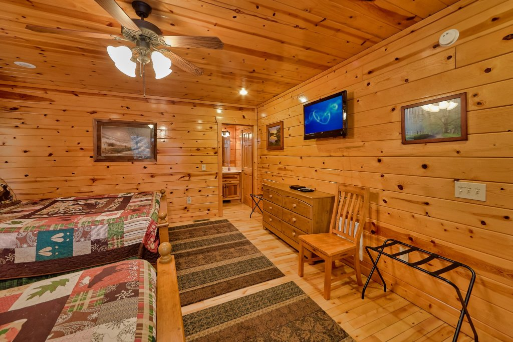 Photo of a Gatlinburg Cabin named Smoky Ridge View - This is the thirtieth photo in the set.