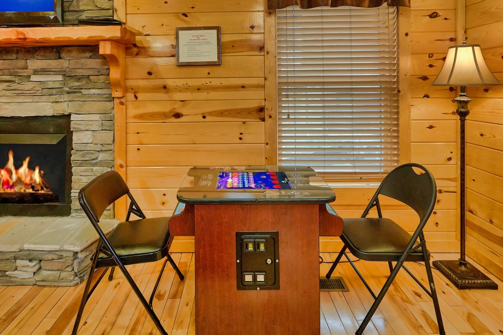 Photo of a Gatlinburg Cabin named Smoky Ridge View - This is the ninth photo in the set.