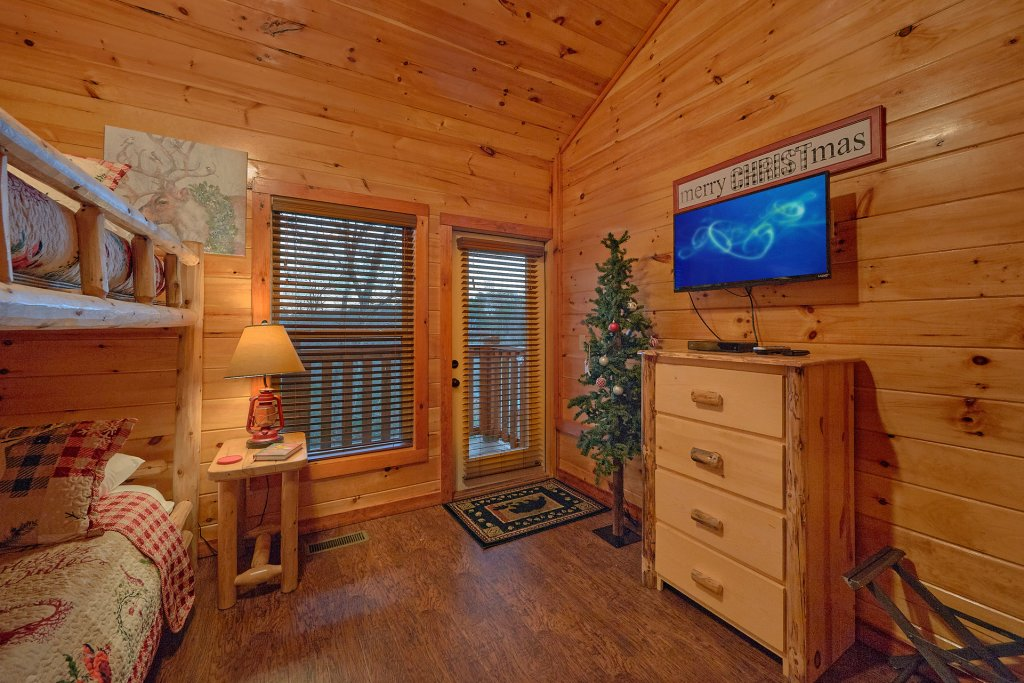 Photo of a Pigeon Forge Cabin named Reindeer Bay - This is the twenty-seventh photo in the set.