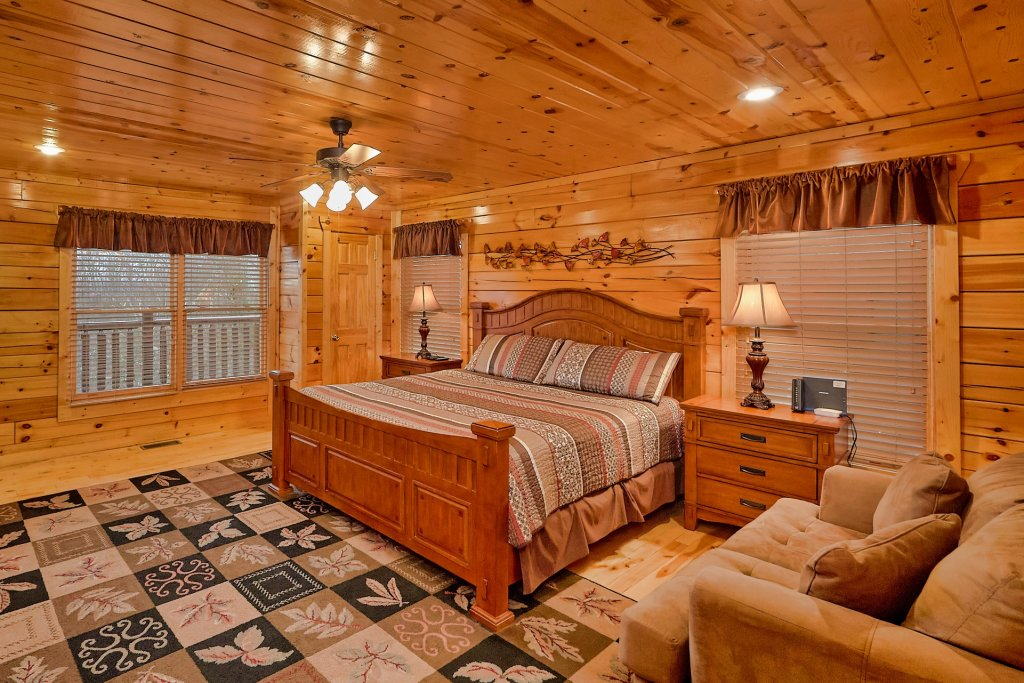 Photo of a Gatlinburg Cabin named Smoky Ridge View - This is the thirty-first photo in the set.