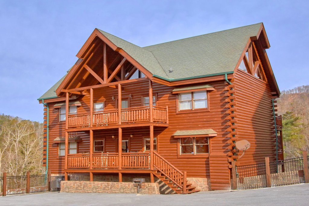 Photo of a Sevierville Cabin named Movie Room Retreat - This is the thirty-second photo in the set.