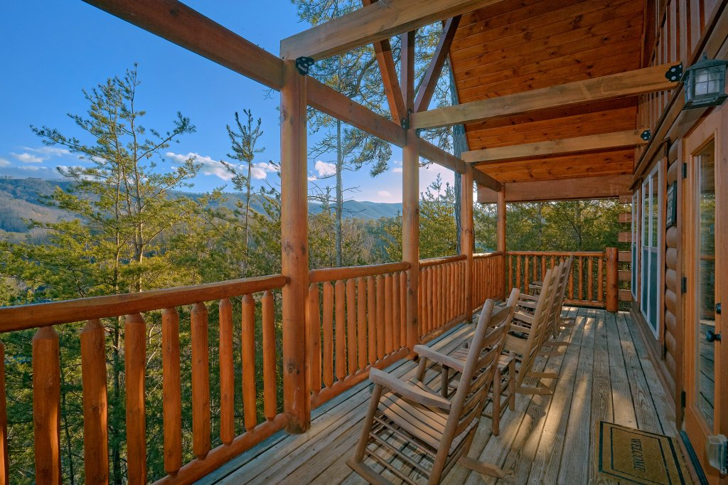 Photo of a Pigeon Forge Cabin named Reindeer Bay - This is the twelfth photo in the set.