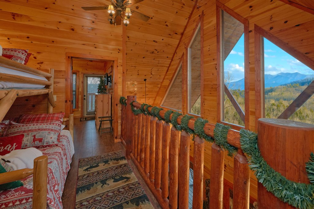 Photo of a Pigeon Forge Cabin named Reindeer Bay - This is the twenty-fifth photo in the set.