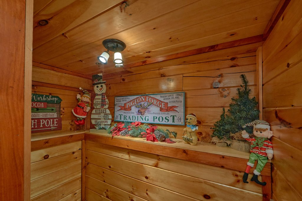Photo of a Pigeon Forge Cabin named Reindeer Bay - This is the thirty-first photo in the set.