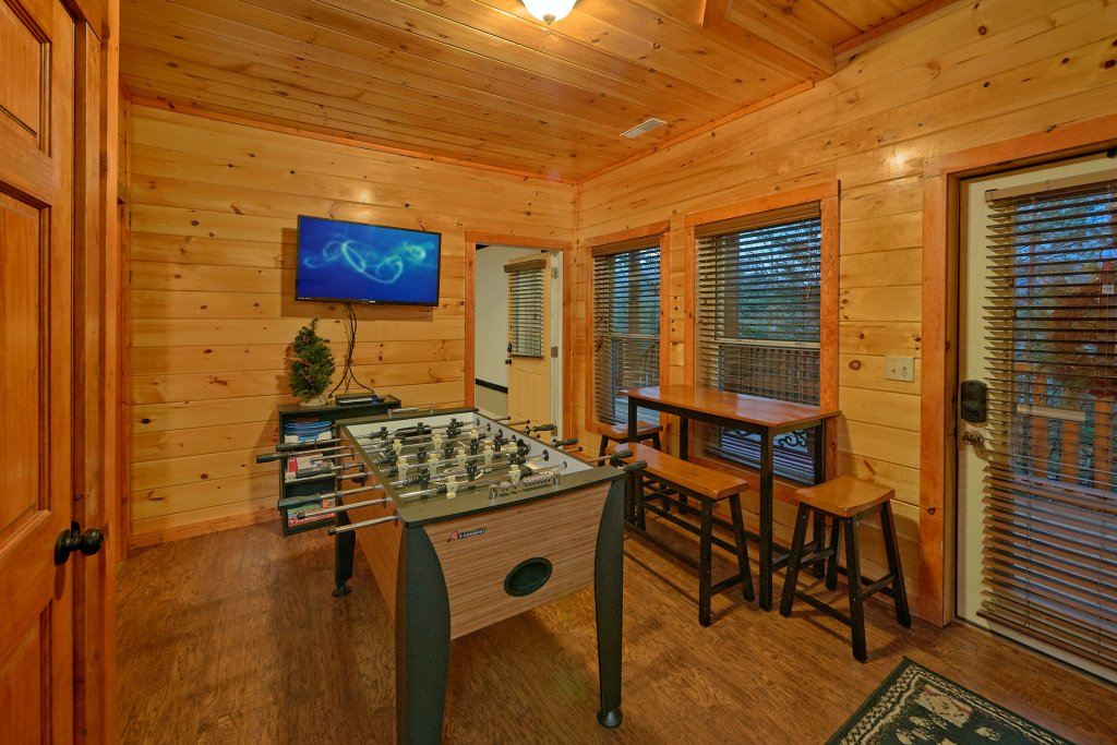 Photo of a Pigeon Forge Cabin named Reindeer Bay - This is the seventeenth photo in the set.