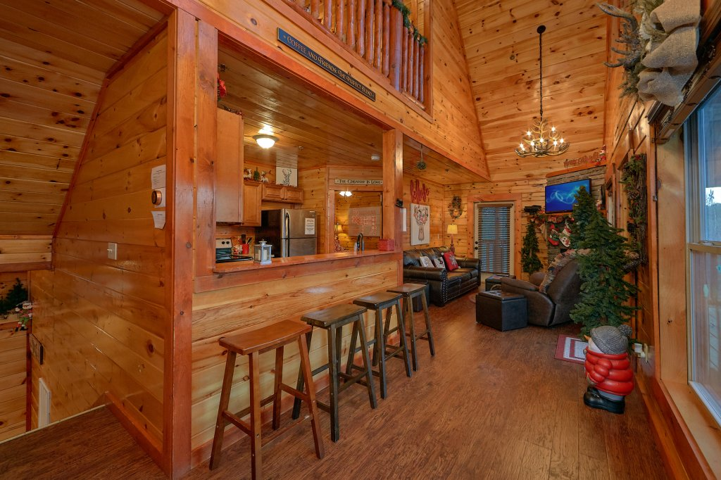 Photo of a Pigeon Forge Cabin named Reindeer Bay - This is the twenty-first photo in the set.