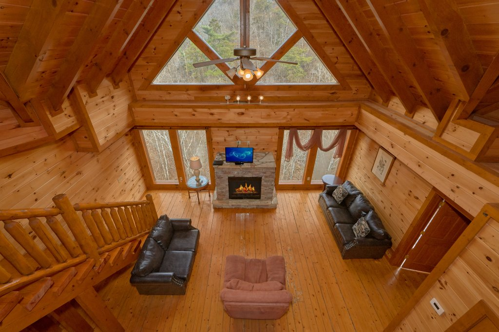 Photo of a Sevierville Cabin named Movie Room Retreat - This is the eighth photo in the set.
