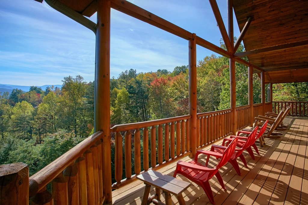 Photo of a Gatlinburg Cabin named Splash Mansion #500 - This is the tenth photo in the set.