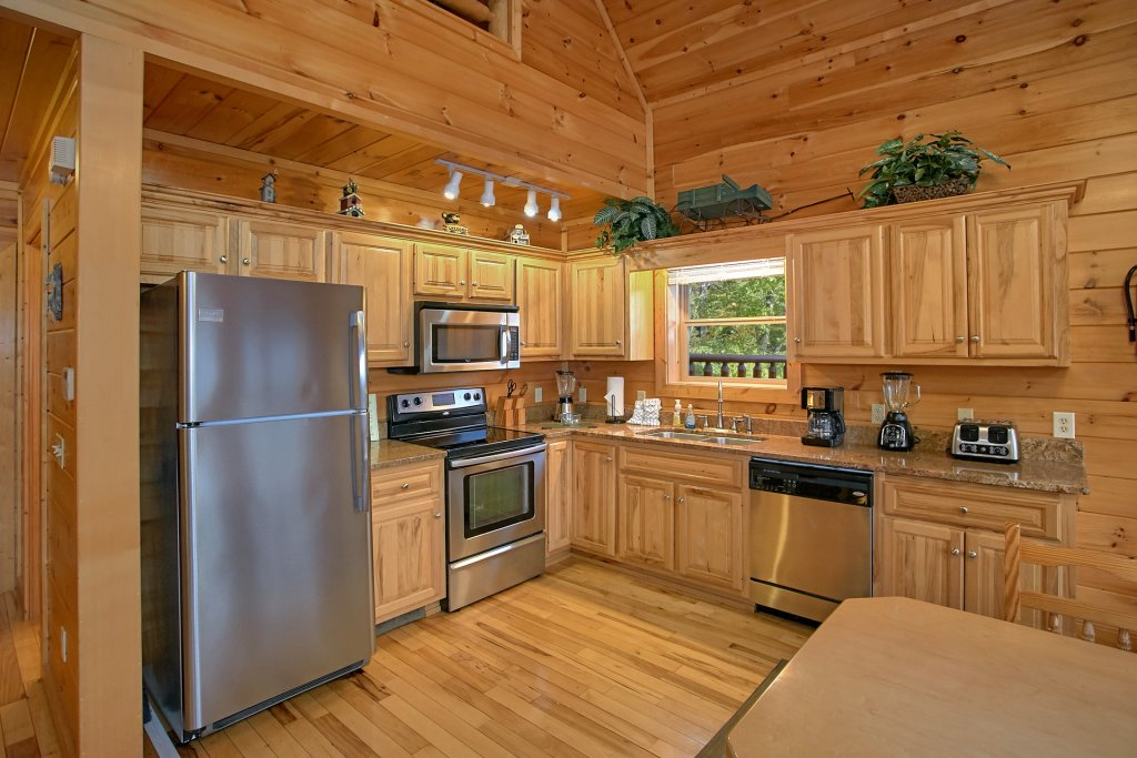 Photo of a Gatlinburg Cabin named Splash Mansion #500 - This is the ninth photo in the set.