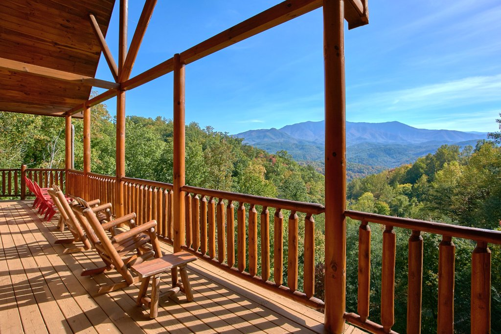 Photo of a Gatlinburg Cabin named Splash Mansion #500 - This is the fortieth photo in the set.