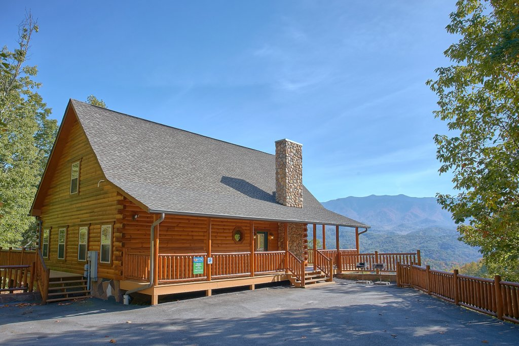 Photo of a Gatlinburg Cabin named Splash Mansion #500 - This is the thirty-fourth photo in the set.