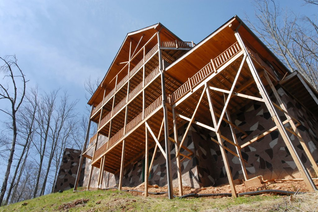 Photo of a Gatlinburg Cabin named Splash Mansion #500 - This is the forty-seventh photo in the set.