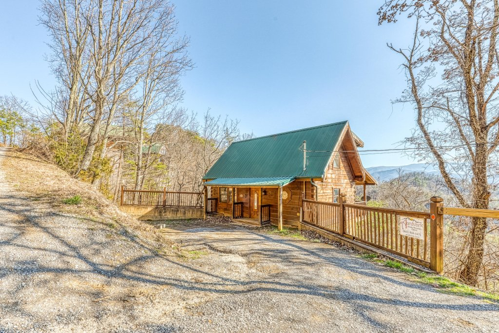 Photo of a Pigeon Forge Cabin named Outlook Ridge - This is the twenty-first photo in the set.