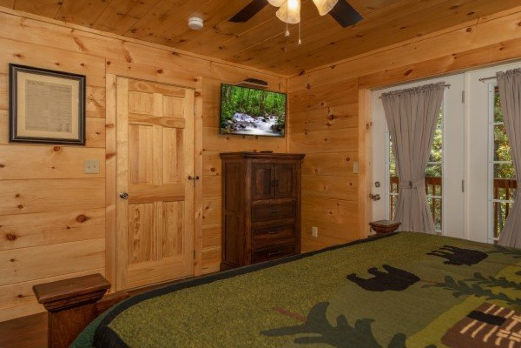 Photo of a Pigeon Forge Cabin named Gar Bear's Hideaway - This is the thirteenth photo in the set.