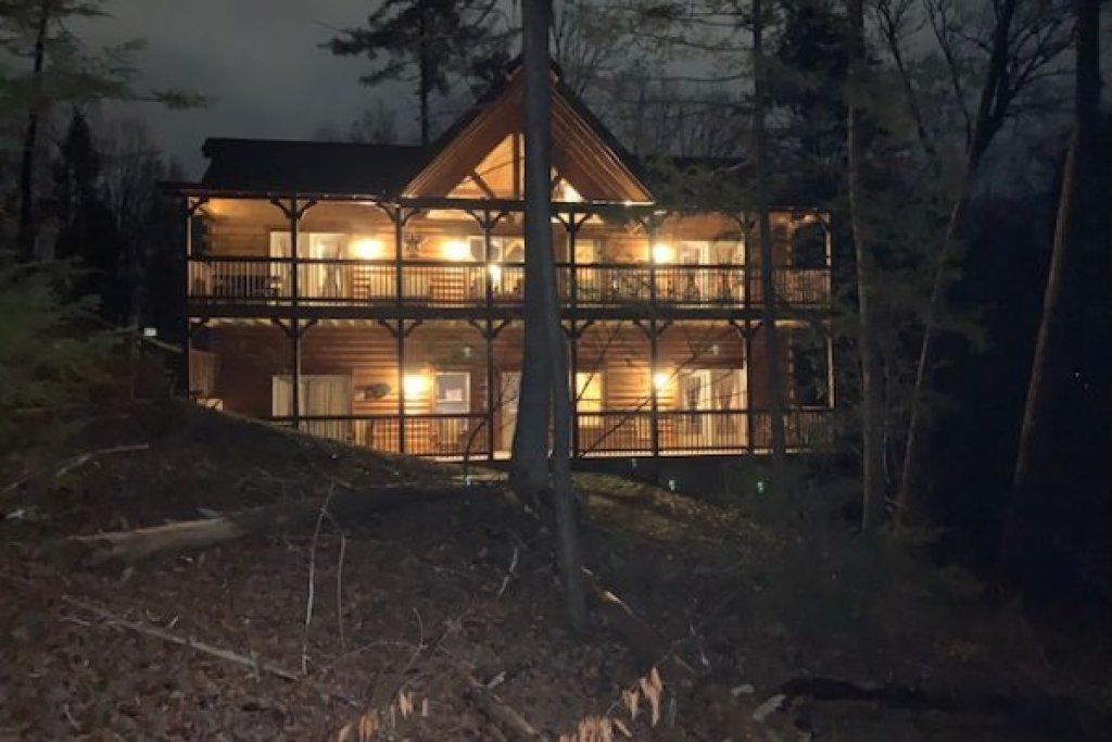 Photo of a Pigeon Forge Cabin named Gar Bear's Hideaway - This is the thirty-third photo in the set.