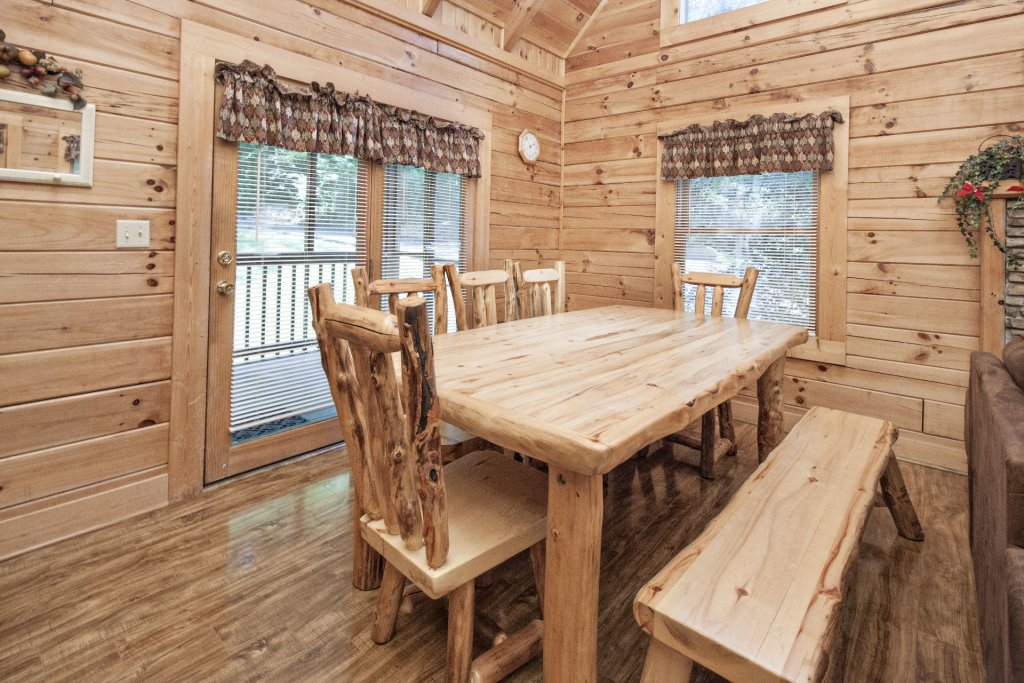 Photo of a Pigeon Forge Cabin named  Treasure Mountain - This is the two hundred and seventy-first photo in the set.