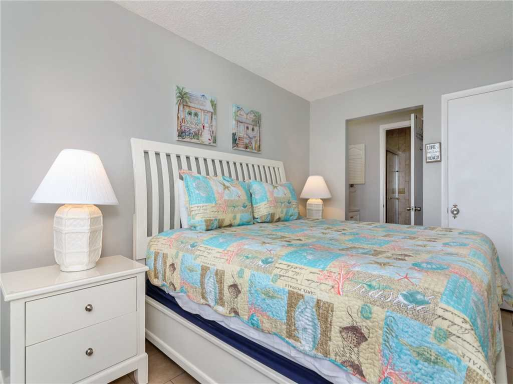 Photo of a Panama City Beach Condo named Summit 913 - This is the fourteenth photo in the set.