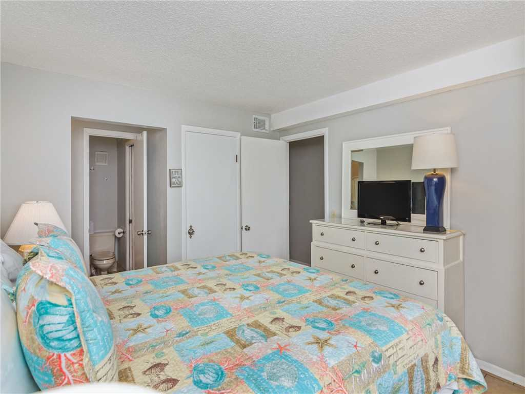 Photo of a Panama City Beach Condo named Summit 913 - This is the fifteenth photo in the set.