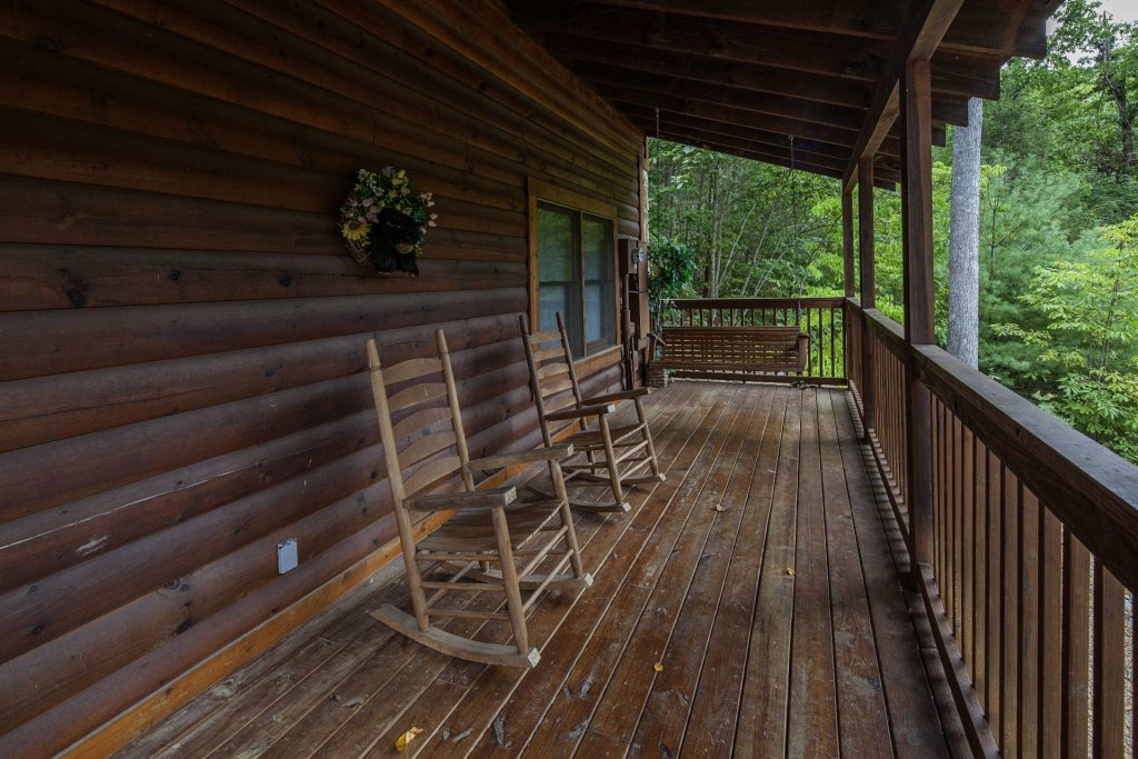 Photo of a Pigeon Forge Cabin named  Black Bear Hideaway - This is the one thousand two hundred and thirtieth photo in the set.